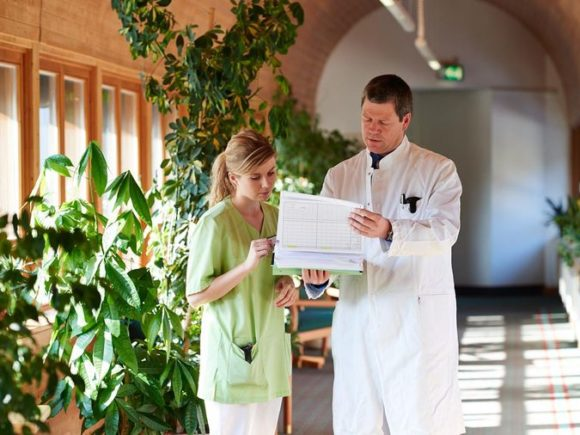 Unterhaltung in der Bavaria Klinik