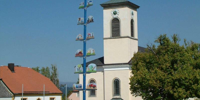 Der Kirchplatz in Innernzell