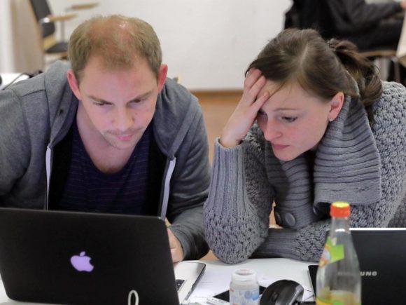 Softwareexperten beim hacken
