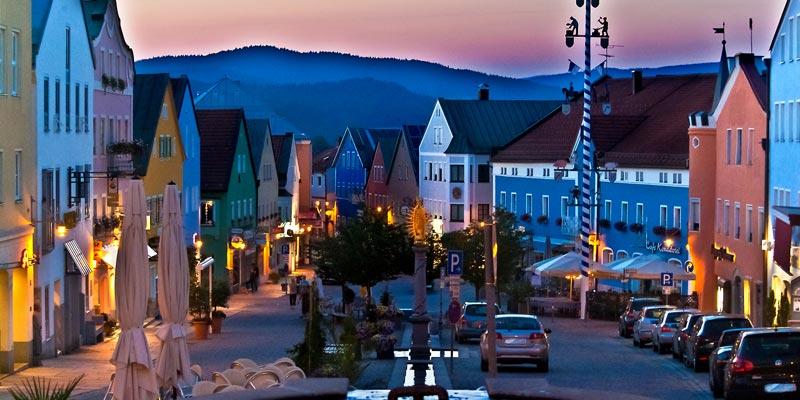 Waldkirchen Marktplatz am Abend